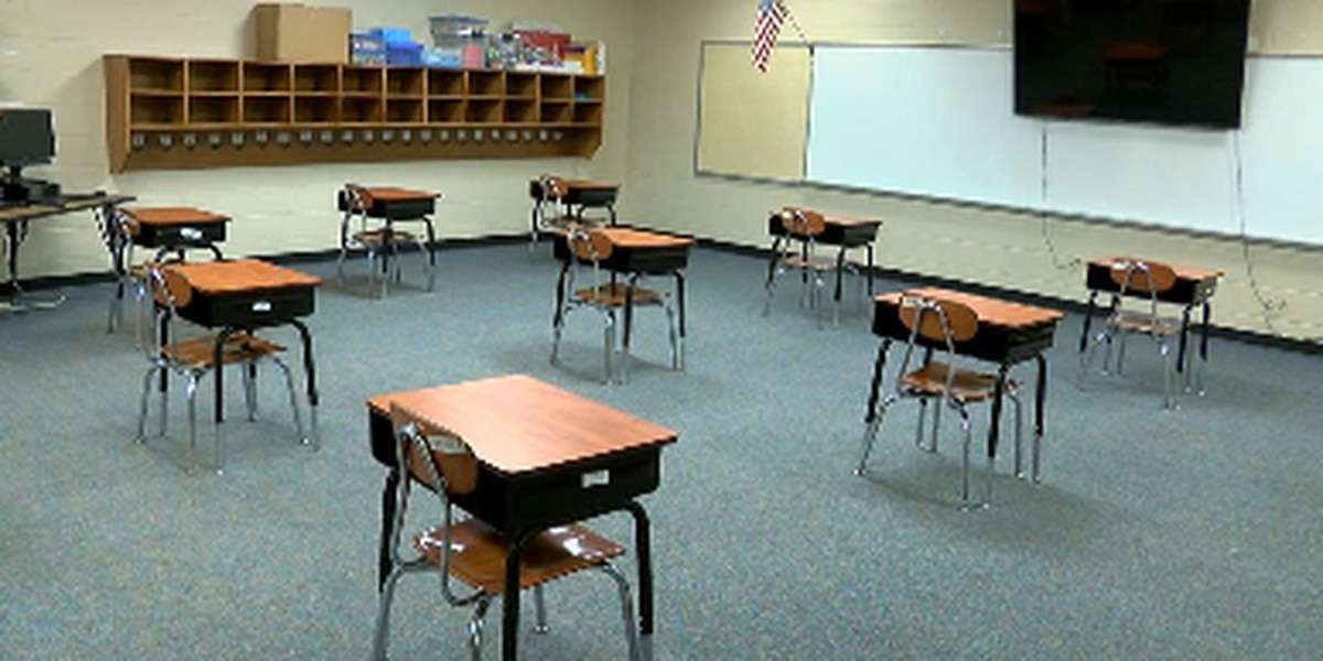 Texas school districts continue to wait for guidance for fall opening