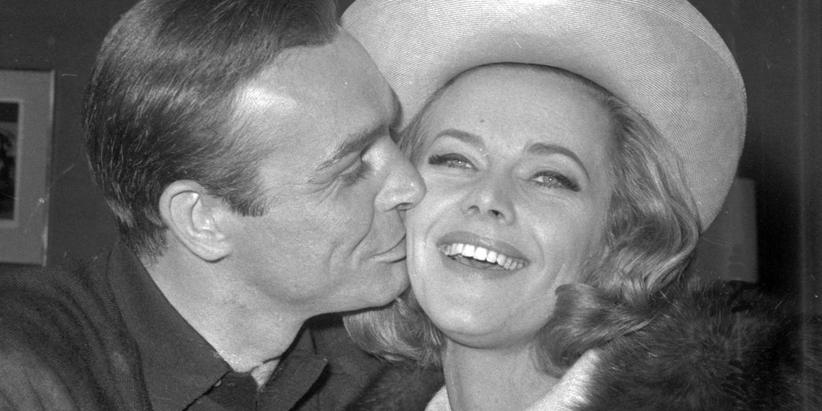 Honor Blackman, co-star in Bond's 'Goldfinger,' dies at 94