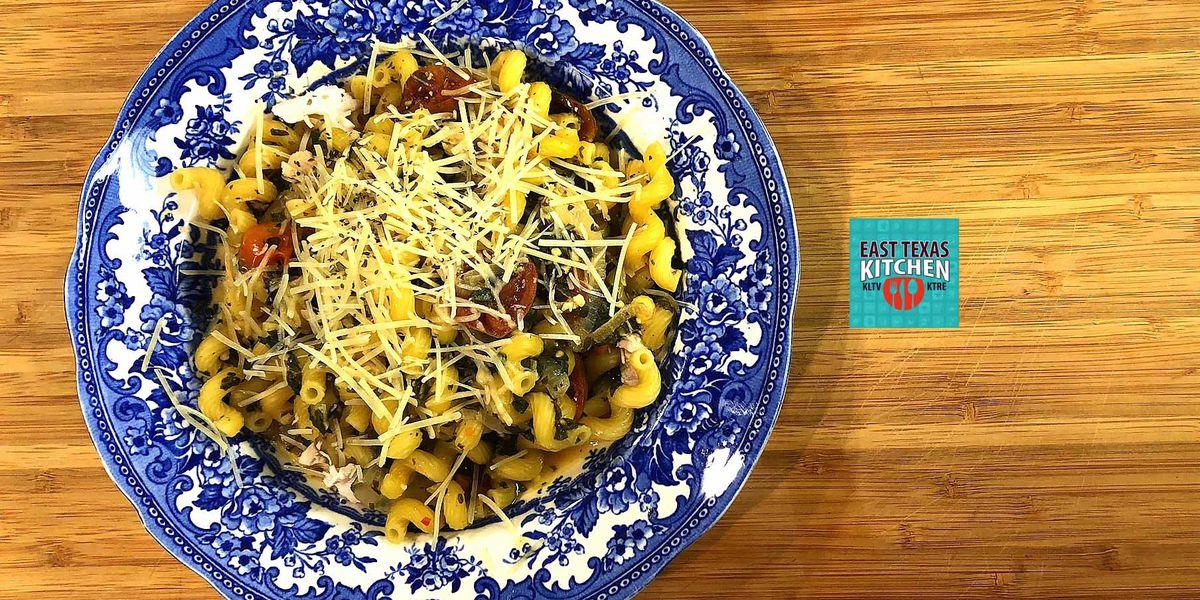 Dinner in 10: Skillet chicken-veggie pasta by Mama Steph