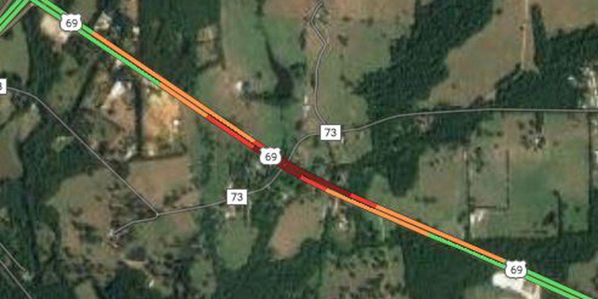 3-vehicle crash slows Hwy 69 in Pollok