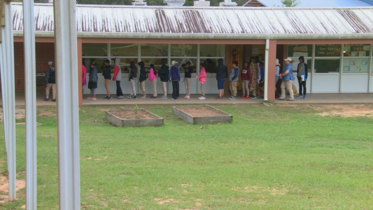 Tour of Nacogdoches ISD Emeline Carpenter designed to show campus shortcomings