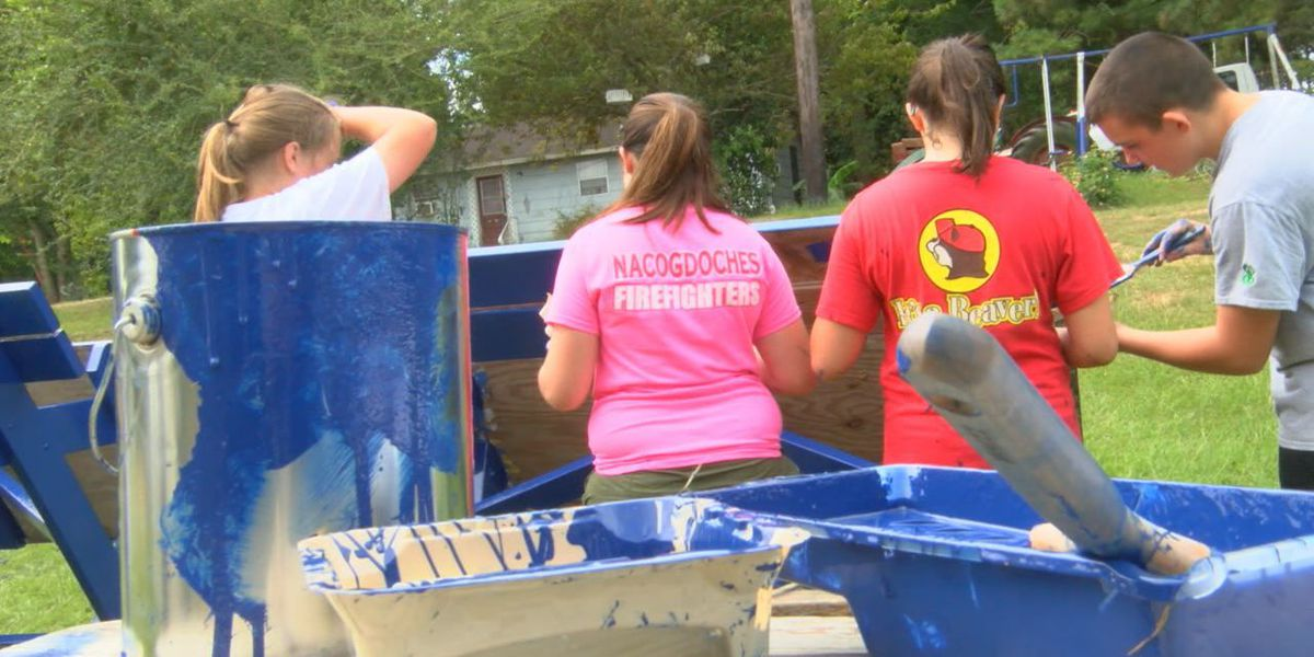 Volunteers pitch in to help as part of Nacogdoches United Way Day of Caring