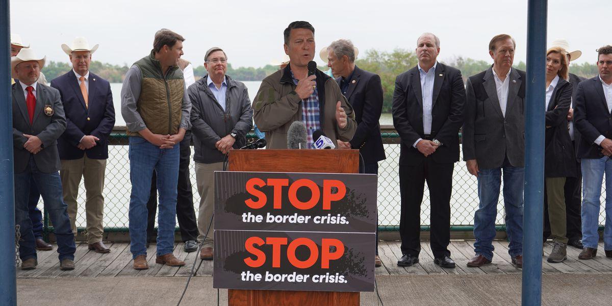 Rep. Ronny Jackson visits U.S.-Mexico border amid migrant crisis