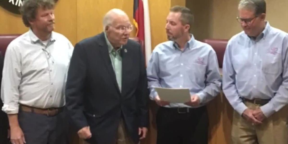 WEBXTRA: Lufkin mayor declares Thursday, Oct. 17 as Love INC Day