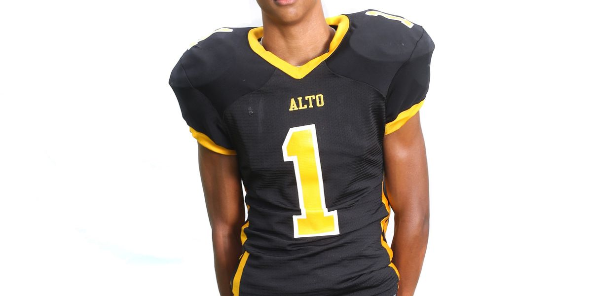 Services set for Alto football player who died after collapsing at game
