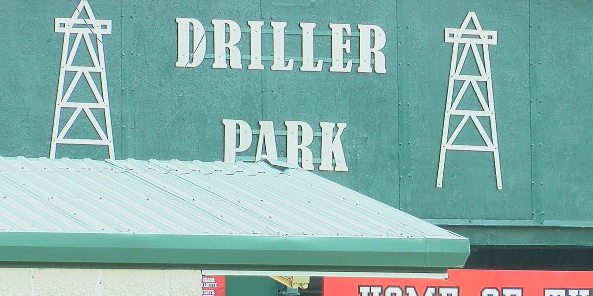 Mark in Texas History: Driller Park in Kilgore
