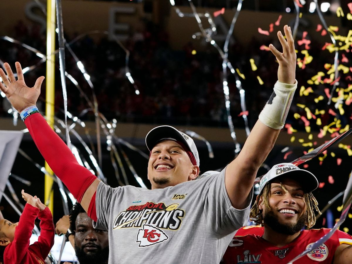 VIDEO: Patrick Mahomes tells Texas Tech graduates to go out, 'win your Super Bowl'
