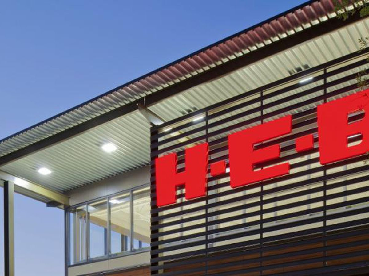 H-E-B says customers still strongly encouraged, employees required, to wear masks in stores