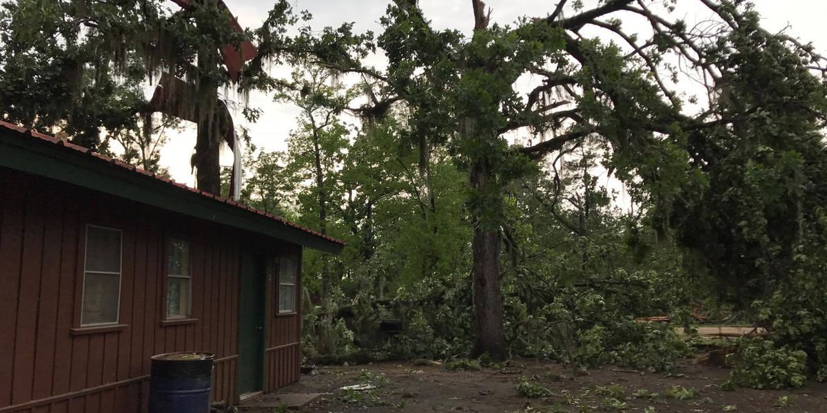 Severe weather and power outages delay start time for multiple school districts