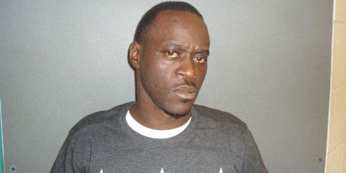 Crockett man accepts 10 years probation for chasing woman with machete in his hand