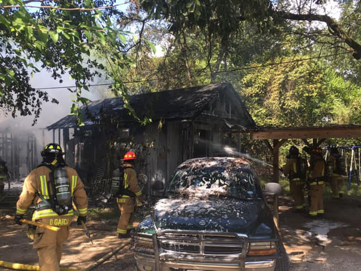 Crews responding to Lufkin structure fire