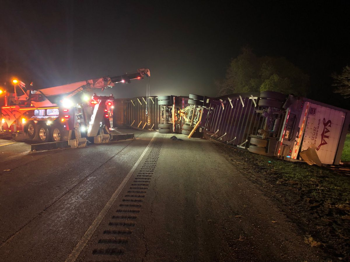 All lanes open after overturned 18-wheeler, diesel spill shuts down US 69 in Pollock area