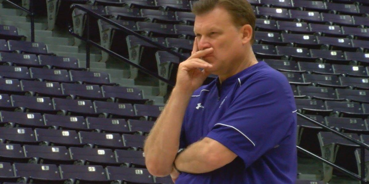 Brad Underwood more at ease in this year's NCAA Tournament facing familiar foe Bob Huggins
