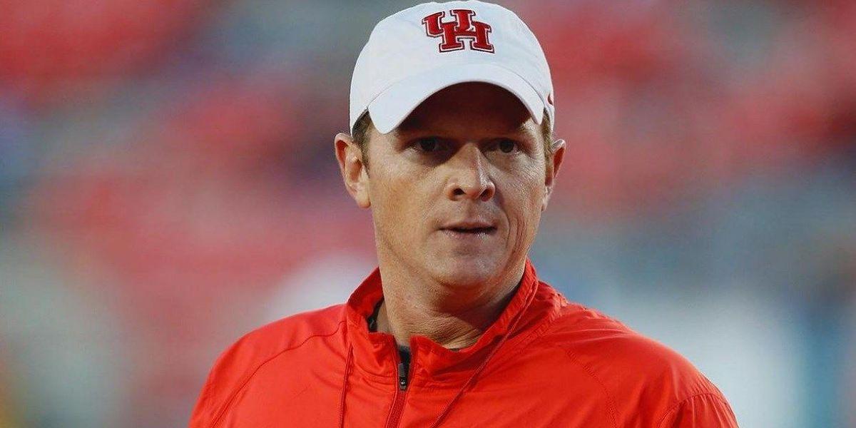 Houston promotes Major Applewhite to head coach