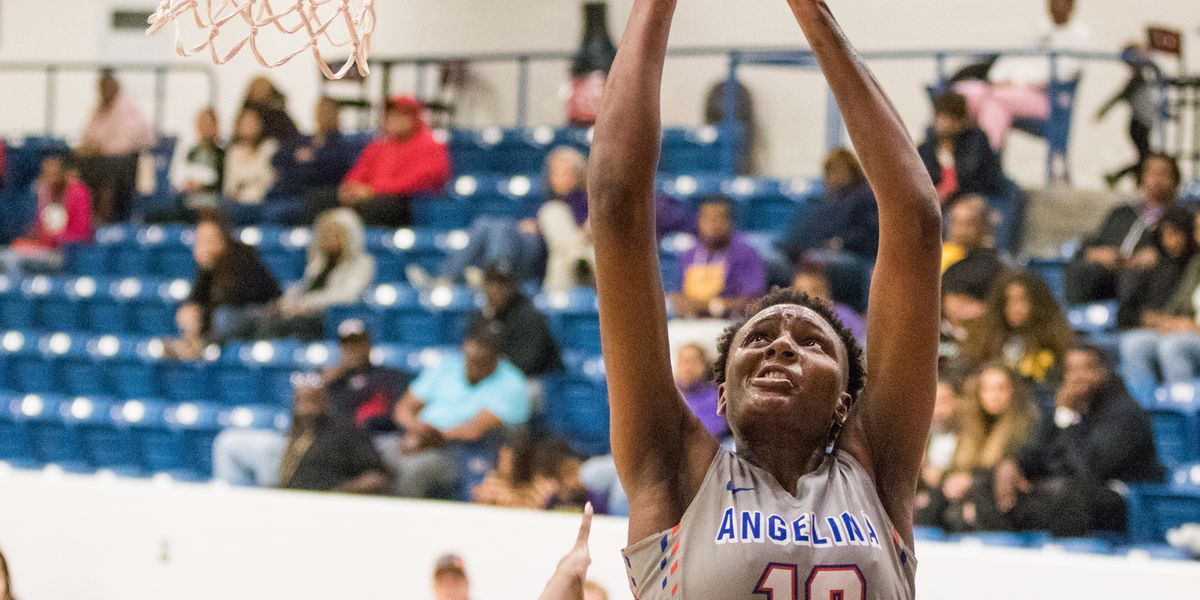 Lady Roadrunner Natasha Mack on pace to break scoring record at AC