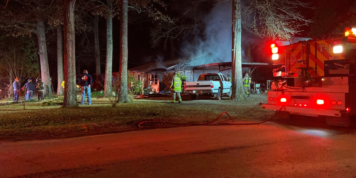 Mother, son safely escape house fire in Mount Carmel area Monday night