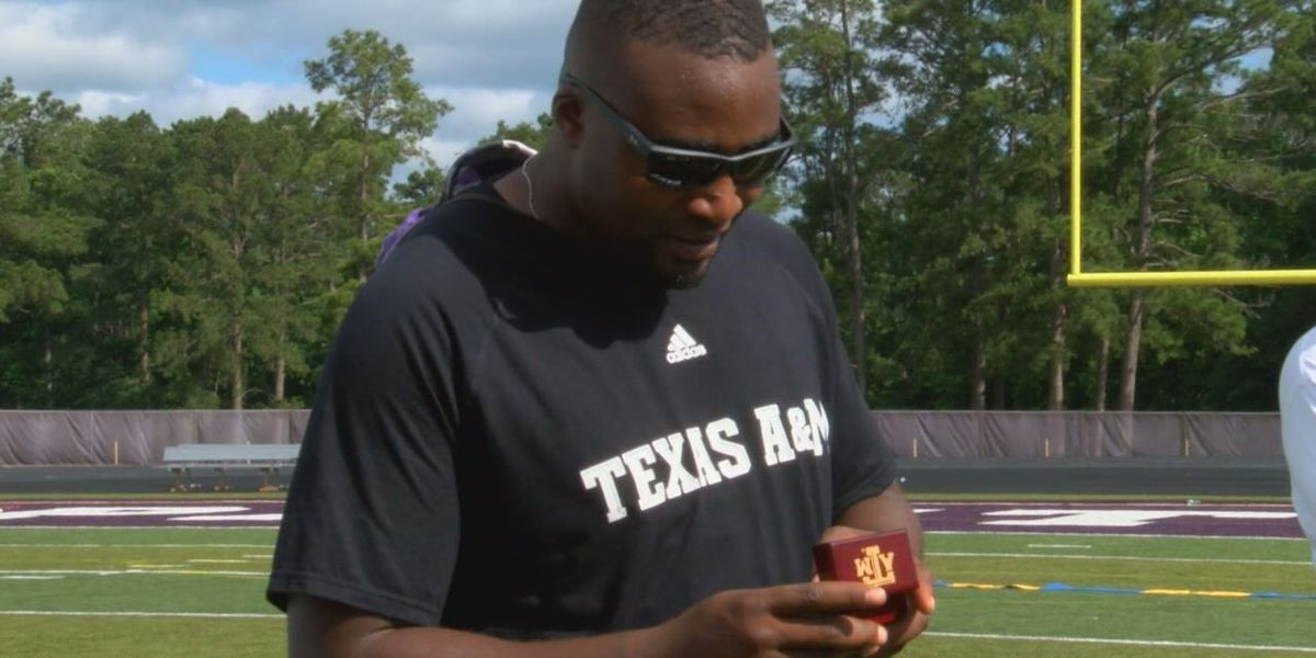 Lufkin football coach Alton Dixon surprised with Aggie class ring 7 years later