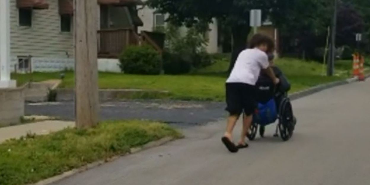Teenager pushes double-amputee home in wheelchair during storm warning