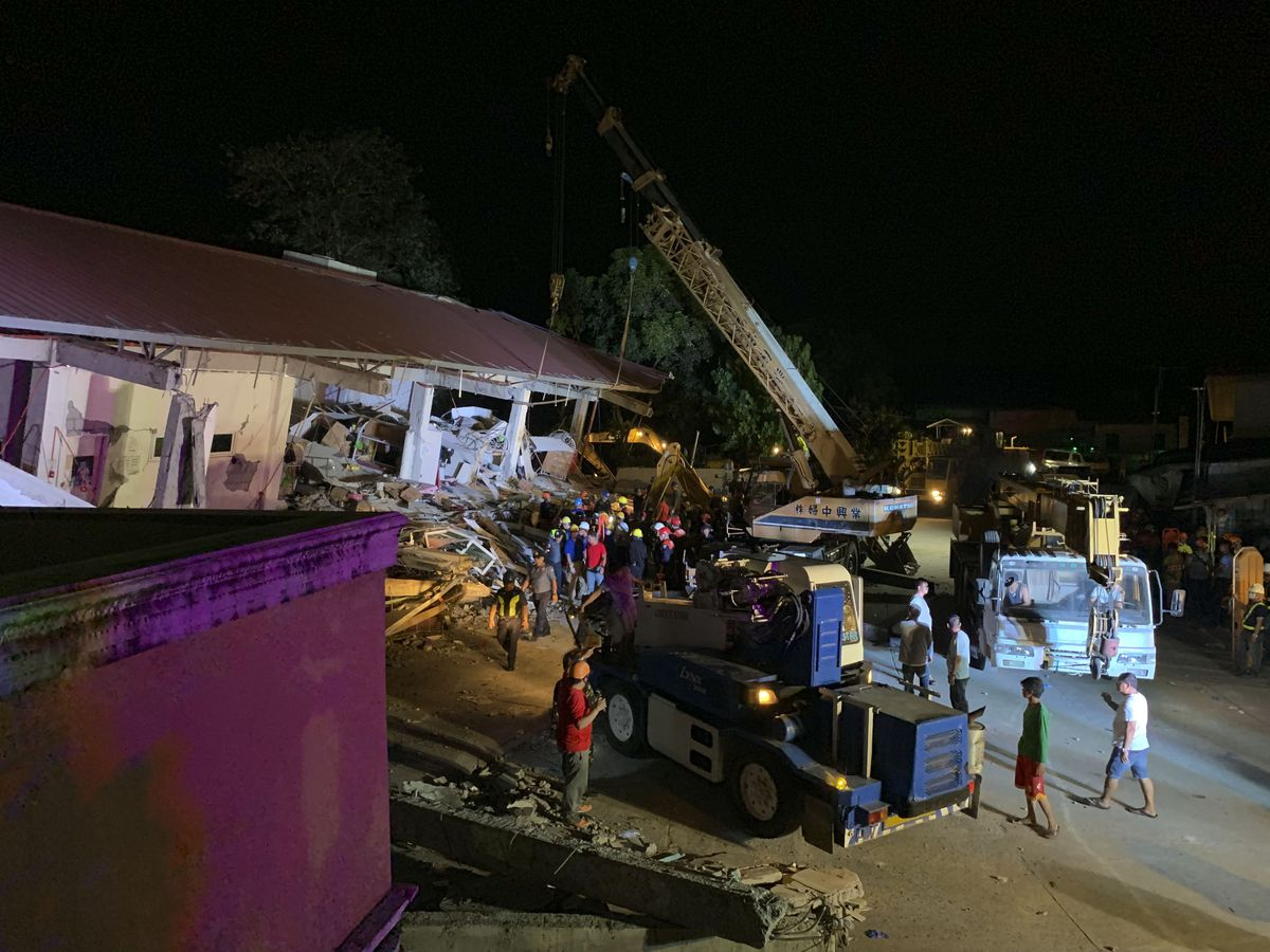 Quake kills at least 11, 24 missing in northern Philippines