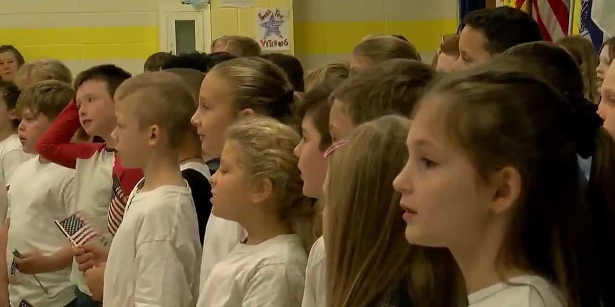Zavalla Elementary School students honor veterans with music, gifts