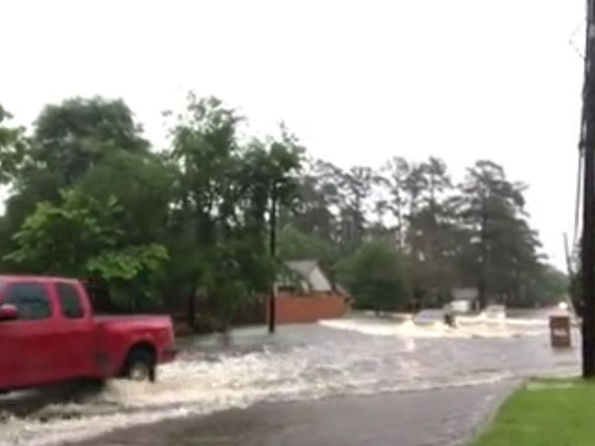 Lufkin police, TxDOT reporting numerous flooded streets, downed power lines, non-working signal lights