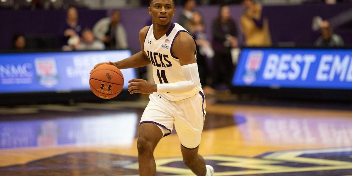 Late free throw lifts SFA over SAGU, 68-67