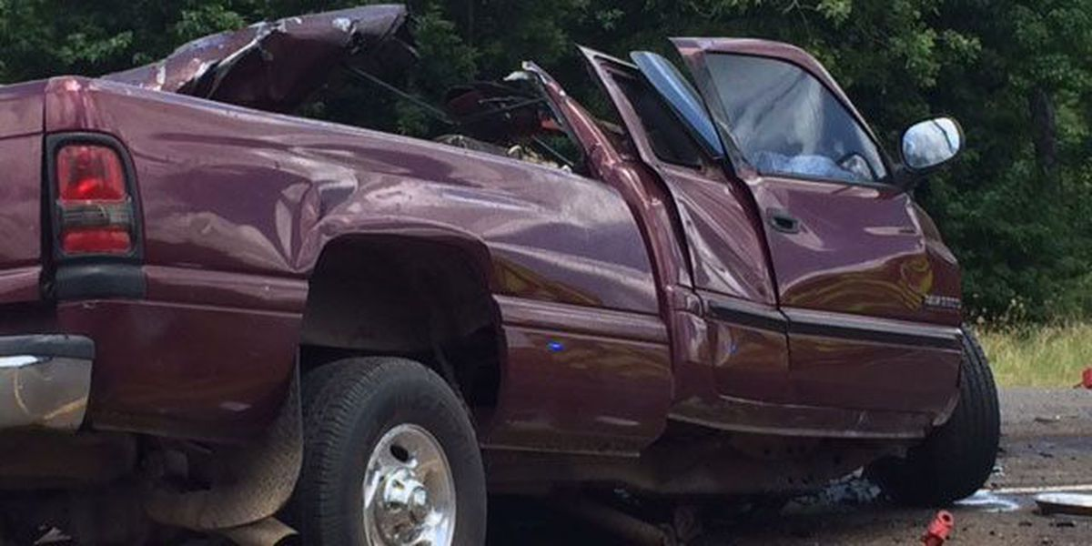 2 18-wheelers, pickup involved in fatal accident near Angelina River Bridge on SH7