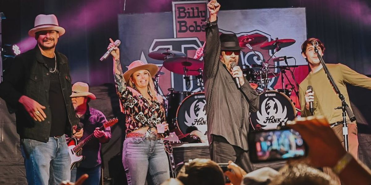 Miranda Lambert, Kid Rock join Hank Williams Jr. in surprise performance at Billy Bob's Texas