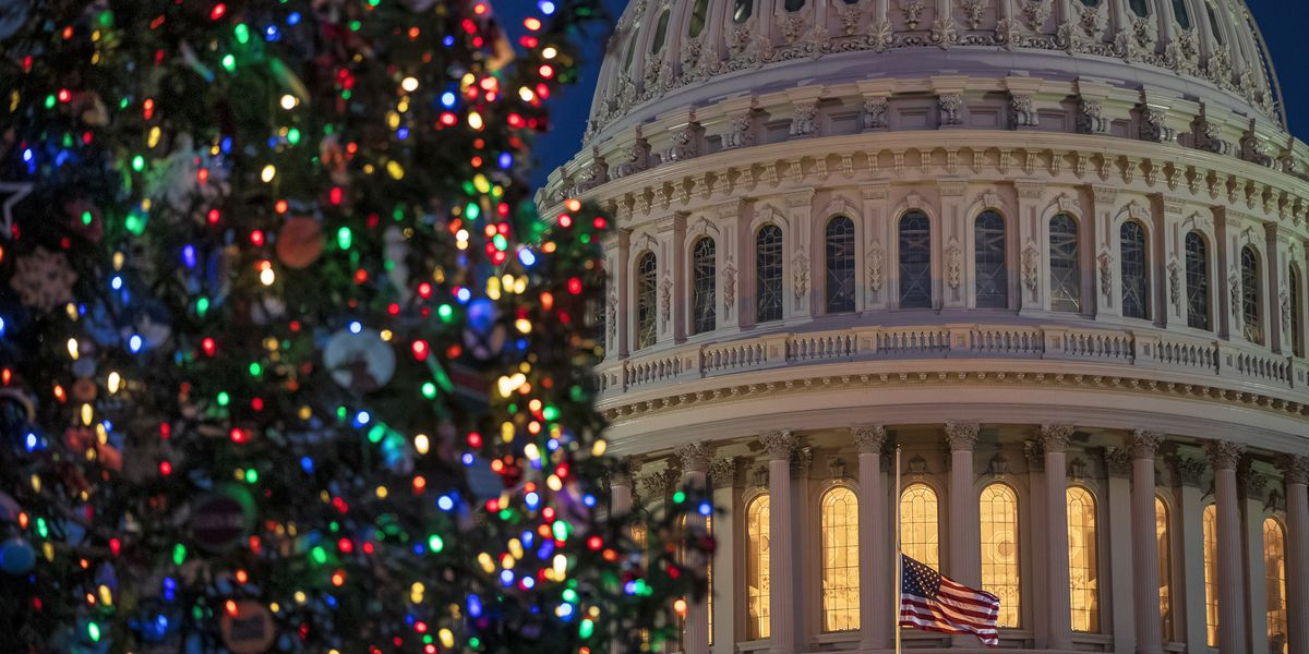 Christmas Eve a holiday for government workers thanks to Trump executive order