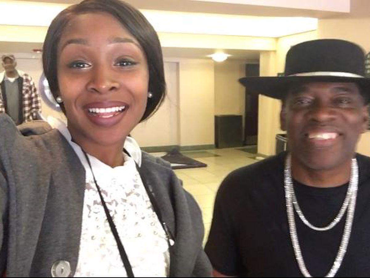Webxtra: Carvin Jones performs at Lufkin's Pines Theatre