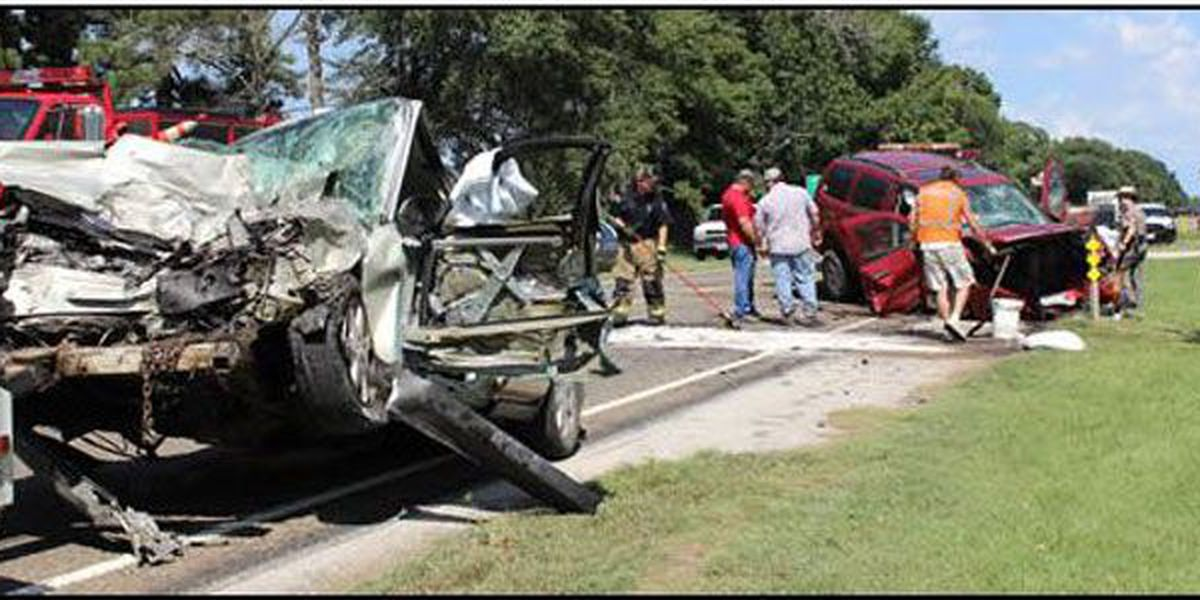 Elkhart woman dies in 2-vehicle accident near Center