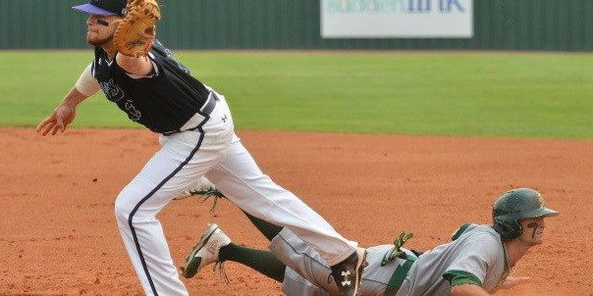 SFA falls twice to hot-hitting Southeastern Louisiana Friday afternoon