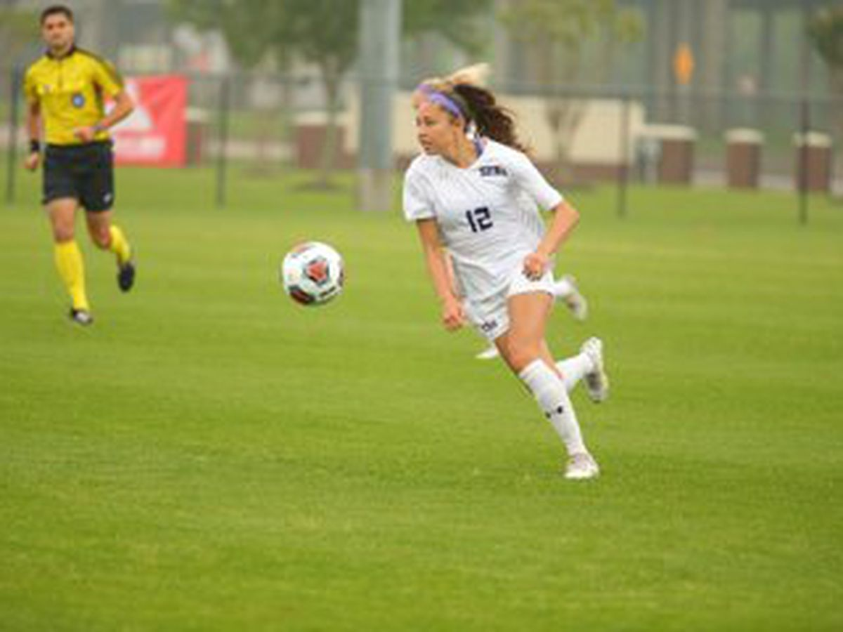 SFA soccer advances to Southland semifinal on PKs