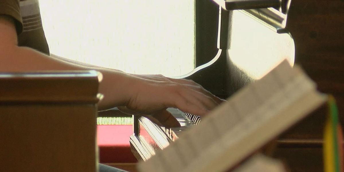 "Lufkin church puts fun spin on fundraiser by having a ""Hymnathon"""