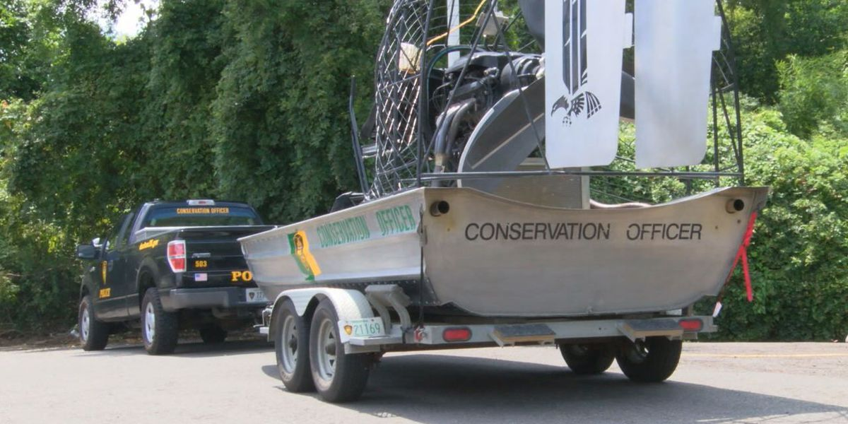 Convoy from Indiana's Department of Natural Resources stops at Nacogdoches Whataburger