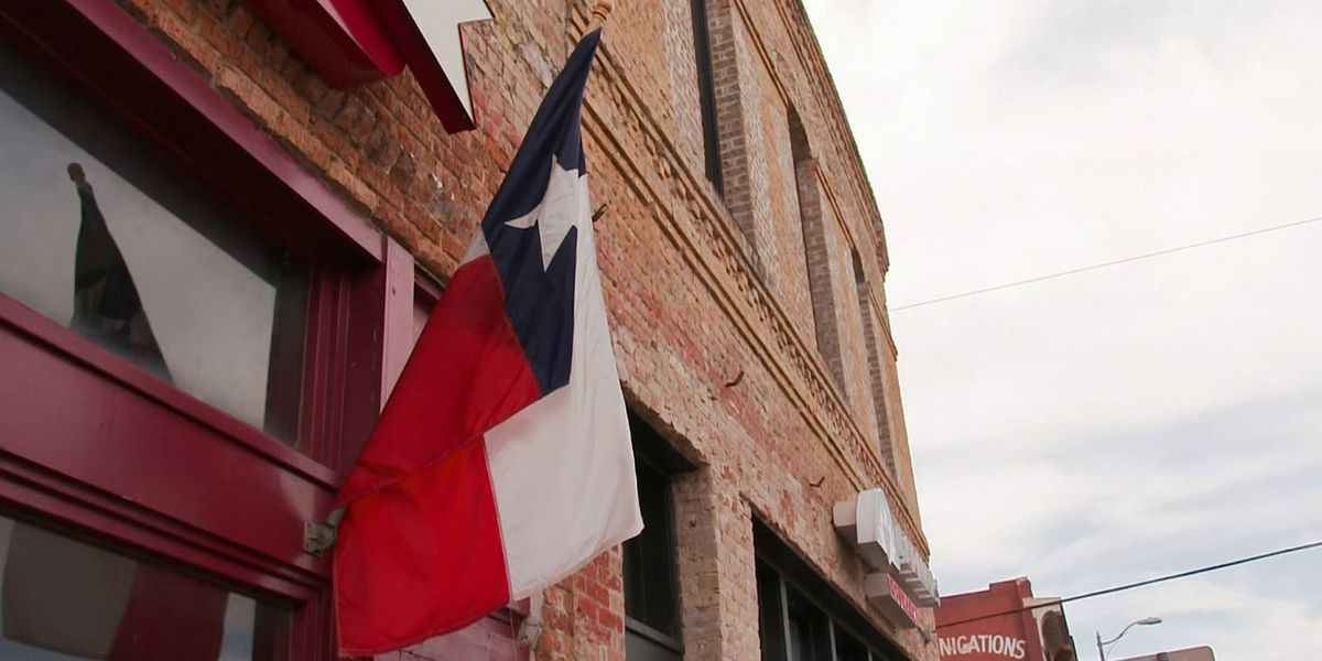Texas reopens businesses to 100% capacity, lifts mask mandate Wednesday
