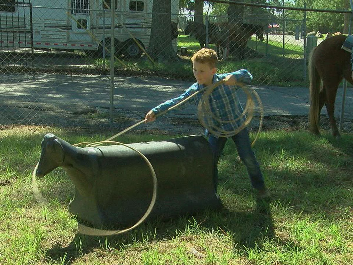 Dozens of children take part in youth rodeo for 6 and under in Lufkin