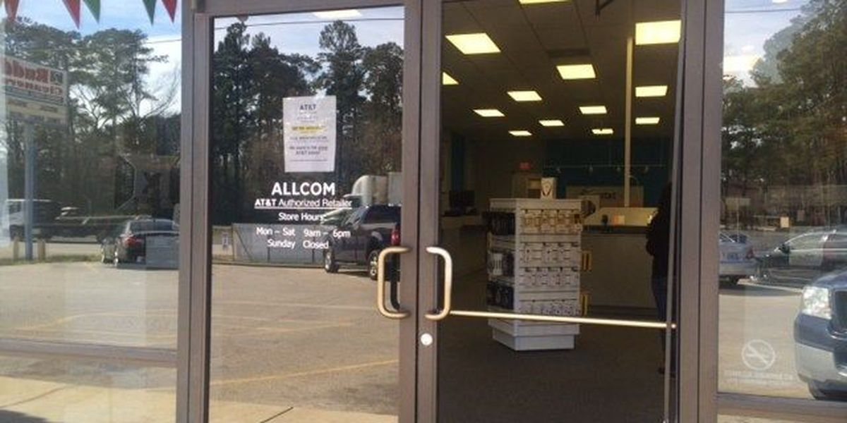 Lufkin phone store burglarized early Thursday morning