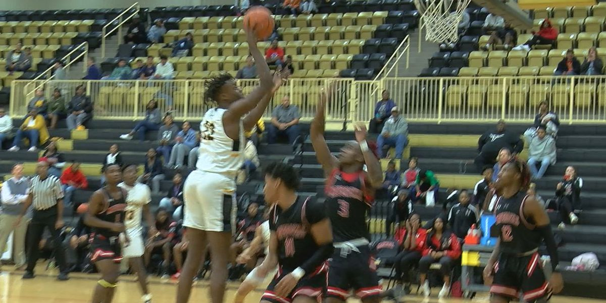 Tuesday night hoops: Nac edges Marshall, San Augustine upsets Shelbyville