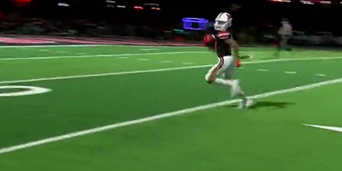WATCH: Marshall QB, WR make it look too easy