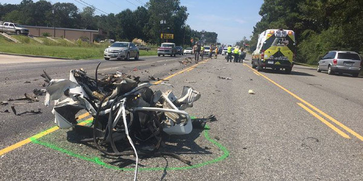 UPDATE: Drivers identified in 2-vehicle wreck involving 18-wheeler, pickup near Lufkin loop