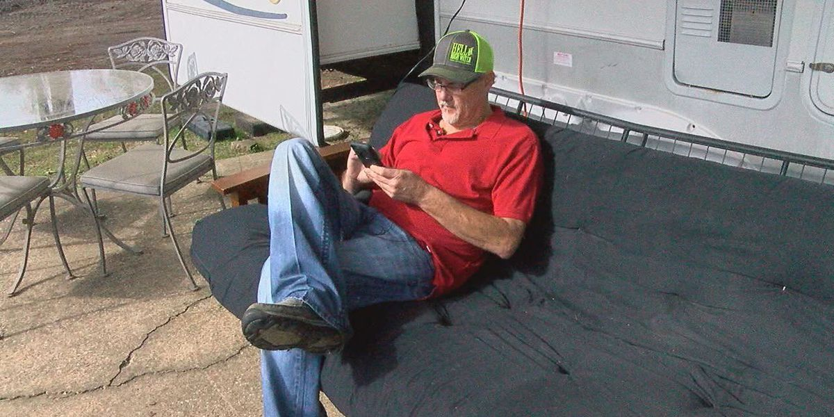 East Texas man moves into new home, after fire destroyed mobile home to ashes