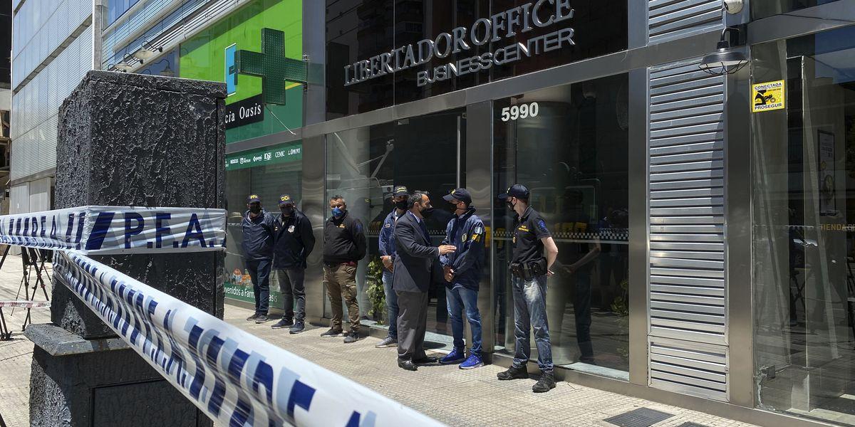 Investigators search doctor's office, probing Maradona death