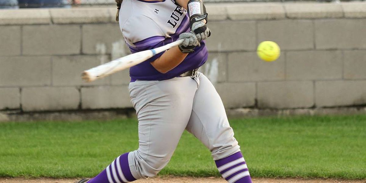 Lufkin Softball bats come alive in win over Lindale