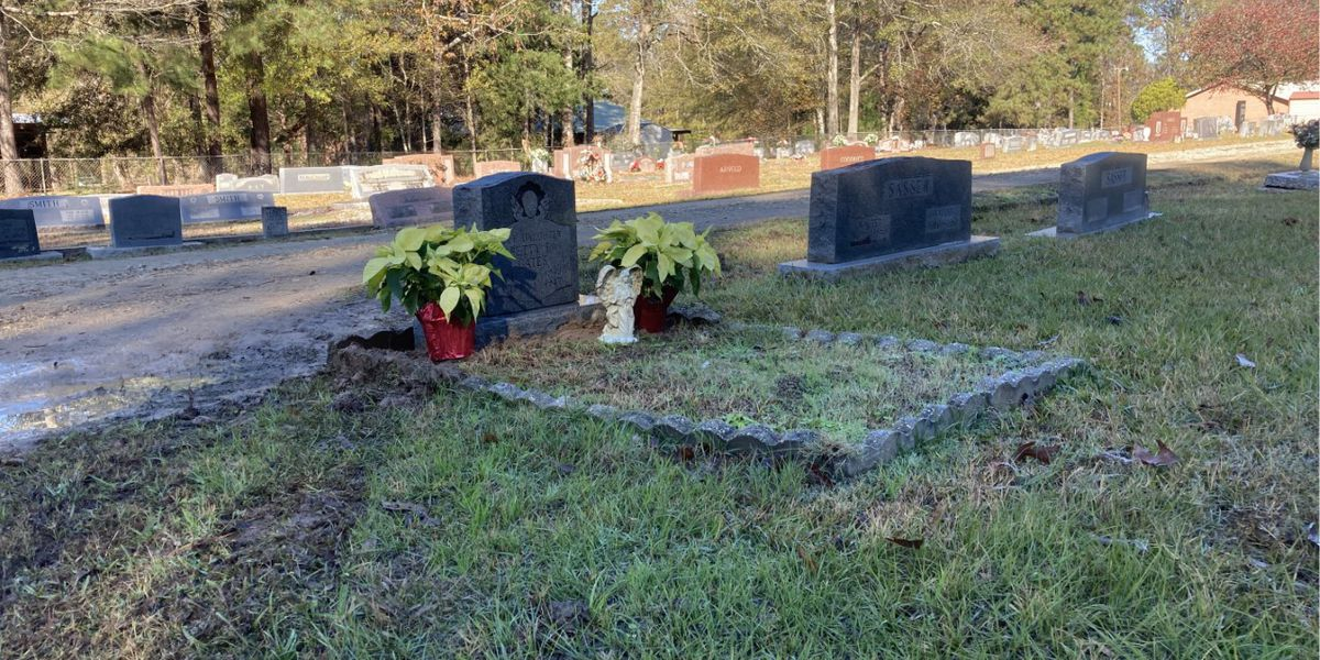 Community comes together to repair headstone at Hemphill City Cemetery
