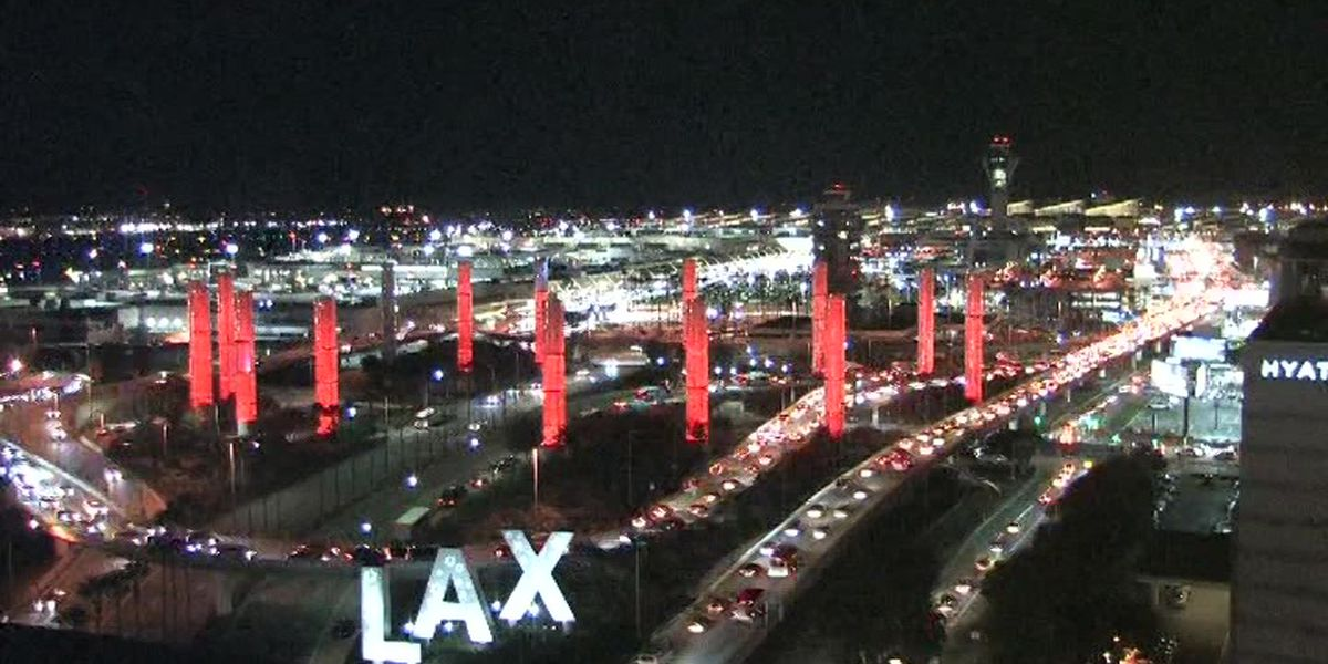 Officials: 3 people who went through Los Angeles airport had measles