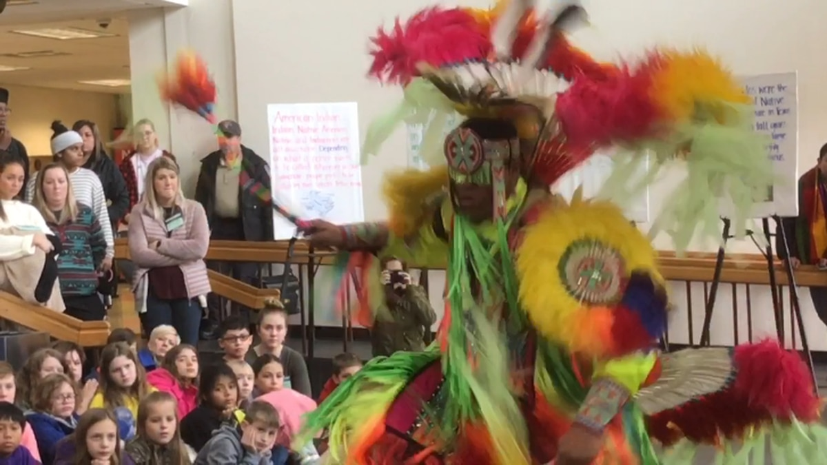 Native American group brings show of culture, heritage to SFA campus