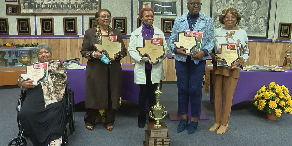 Former students, coaches from Lufkin Dunbar receive PVIL Hall of Fame plaques