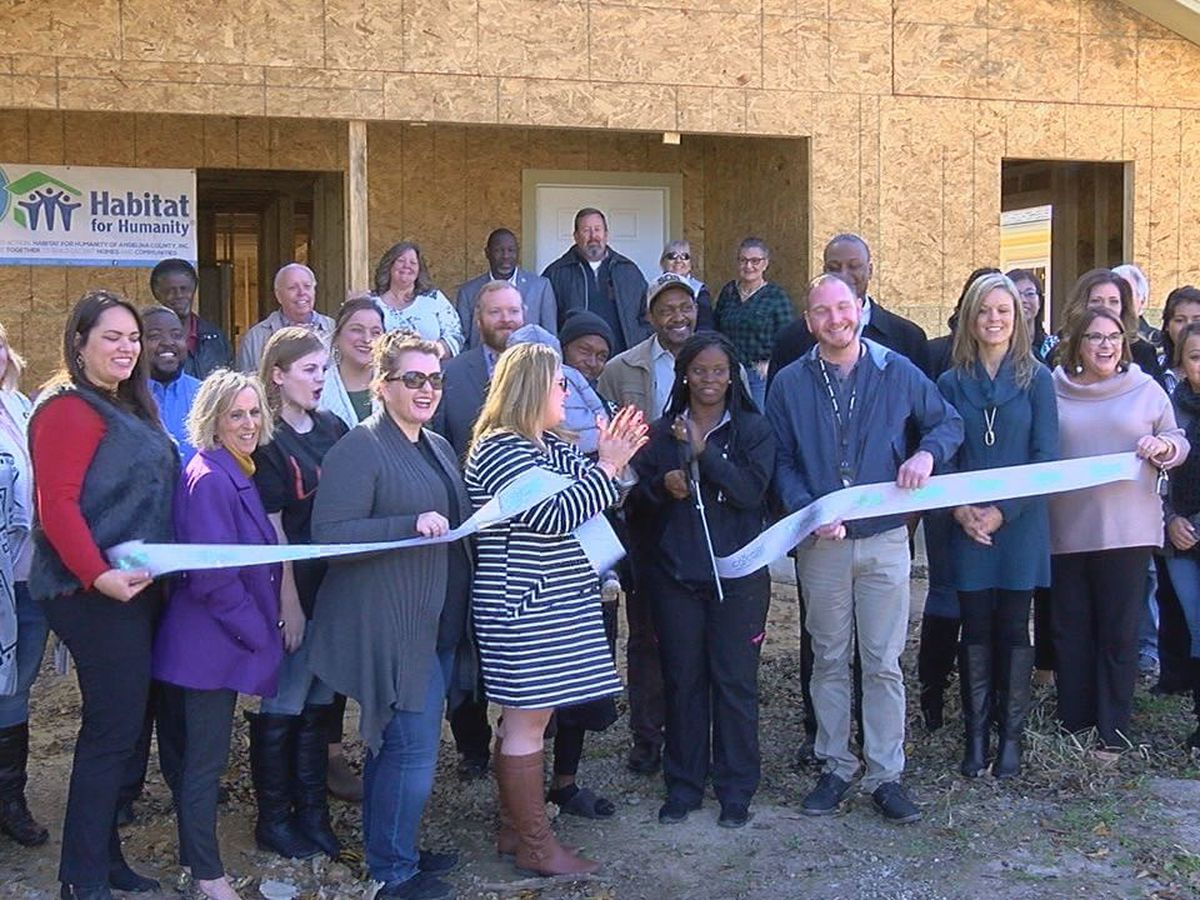 Habitat for Humanity host ribbon cutting for Scott family