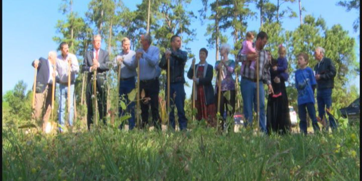 East Texas congregation breaks ground on new church following fire